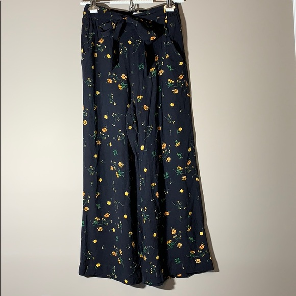 Wilfred Floral Pants. Black. Size small.
